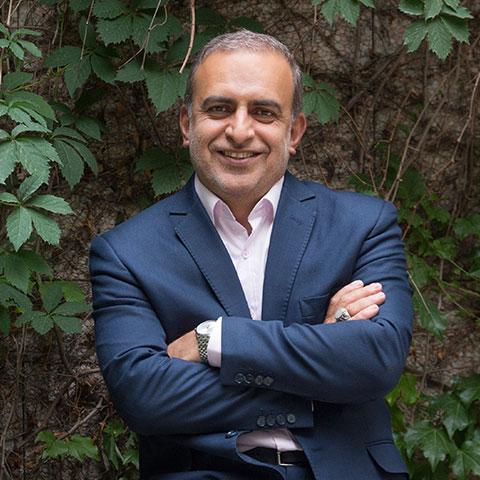 ولی الله فاطمی اردکانی - بنیانگذار شرکت توسن