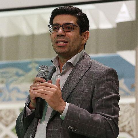 حمیدرضا محمودی - مدیرعامل مجموعه فست کلیک